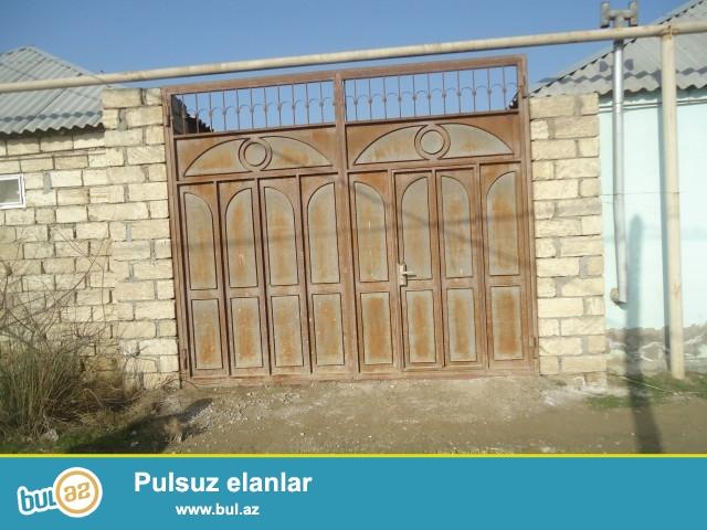 Sabunçu Rayonu Pirşağı kəndində əsas yoldan...