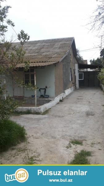 12m x 8.3m evin sahəsi<br /> Ümumi həyət yanı...