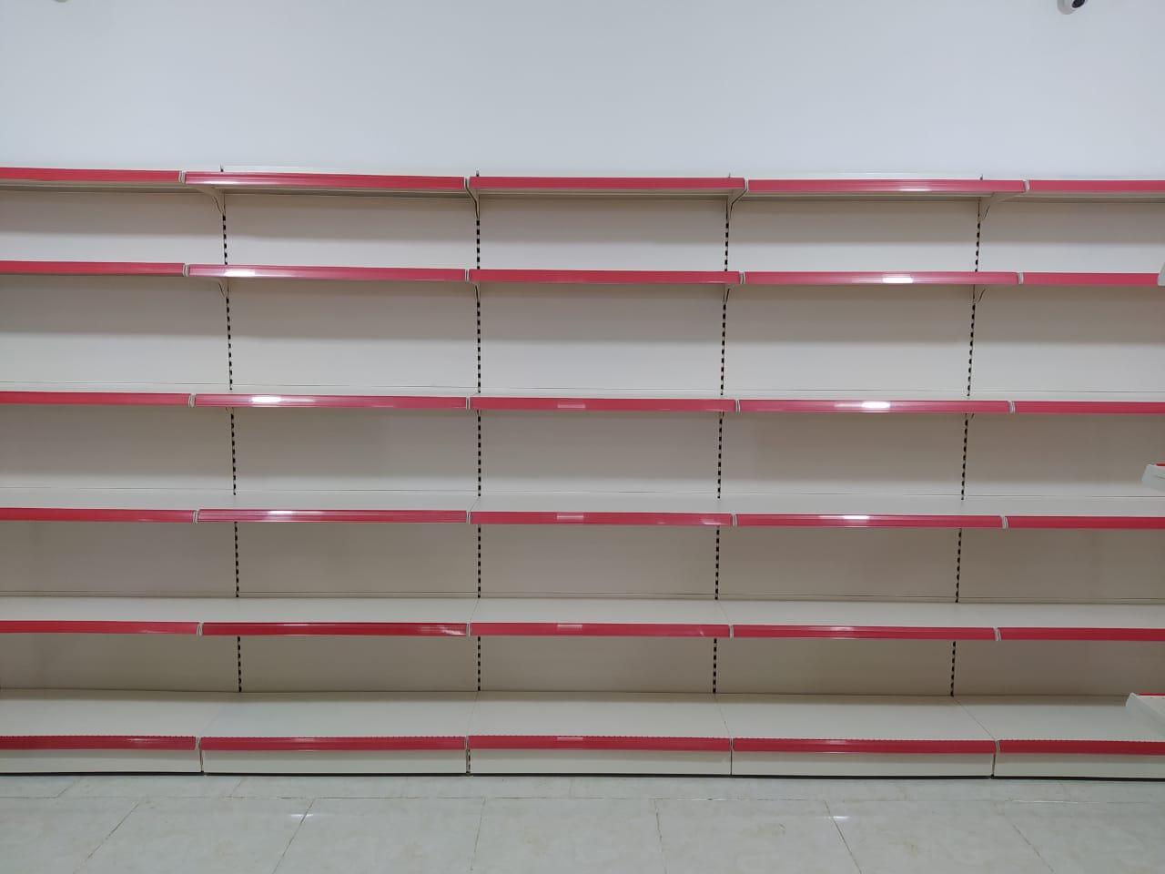 Ag rengde divar ve orta vitrinleri satilir.Turkiye