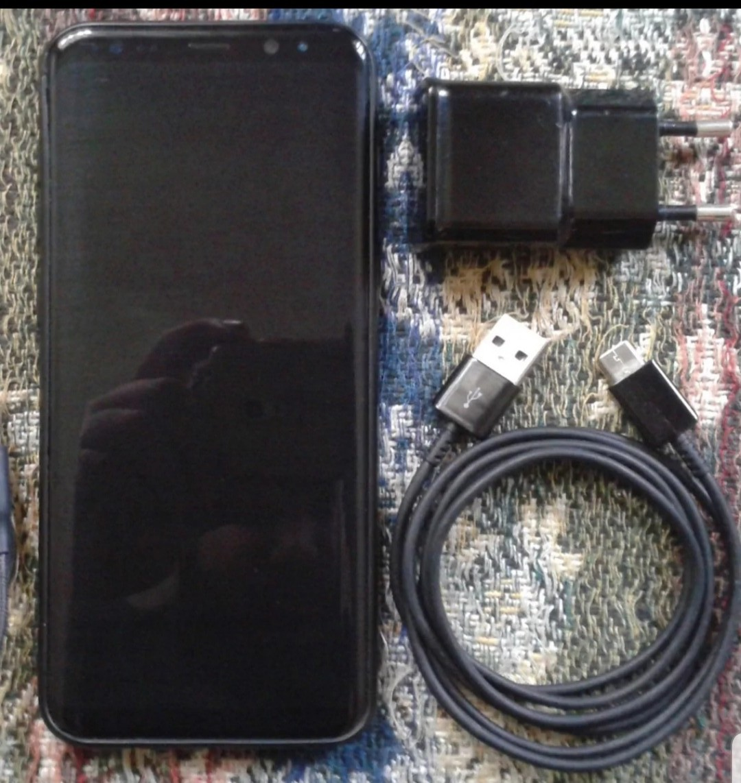 Samsung galaxy S8+ zəng edib bezdirməyin! etməyin WhatsApp-la yazın.