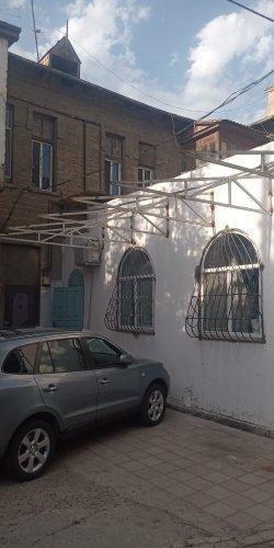 """Bineqedi ray. Pasyolka Kirovda """"Araz Market""""in arxasında"""