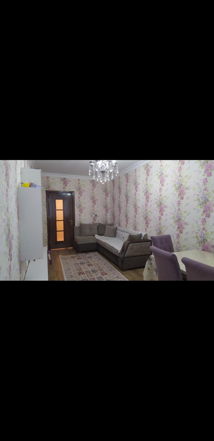 Yeni Yasamalda 3 otaqlı ev satılır. 77 nömrəli marşurutun