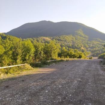 Şamaxı rayonu Qalabugurd kəndində, Pirqulu dağının