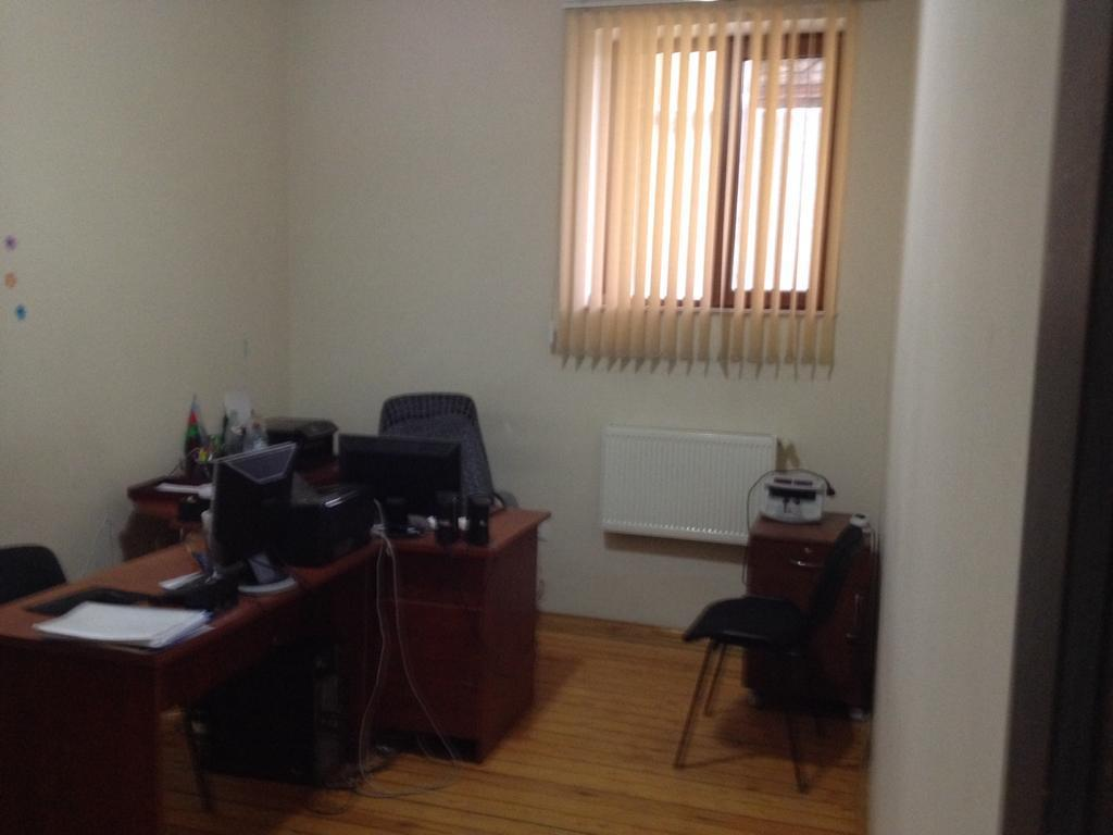 Atatürk prospekt Ofis kiraye verilir. 4 mertebeli Villanın
