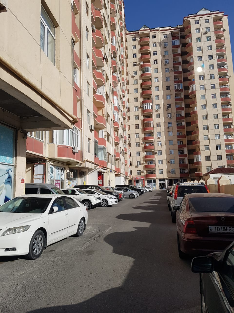 Nerimanov r/onu Metropark TM arxasinda SHELALE MTK inshaa