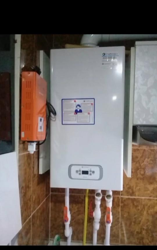 Kombi radyator sanitexnika havalandirma yerden isidme qaz xetlerinin yuksek seviyyede zemanetle cekilmesi ve servisi