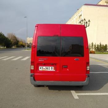 Ford transit satılır qırmızı rəngdə. 2011 buraxılışdı.