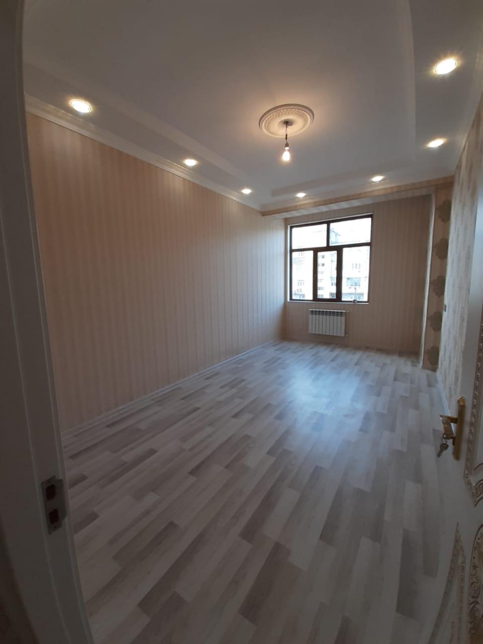 Xətai rayonu Əhmədli metrosunun 1-2 DEQİQELİK Çıxışında