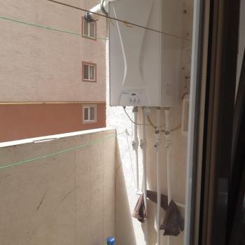 Hazir yasayisli binada 1 otaqli,umumi sahesi 41kv.m olan