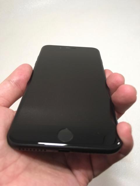 Hal-hazırda işlətdiyim telefondur. Heç bir problemi yoxdur.   Bateraya tam həcmdə işləyir. İOS 14.0  Original qulaqcıq Original adaptr  Ciddi alıcı ilə qiymət danışmaq mümkündür.