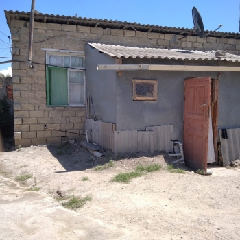 Zabrat-Sabuncu yolunun ustunde 2 sotda 40 kv.m olan 2