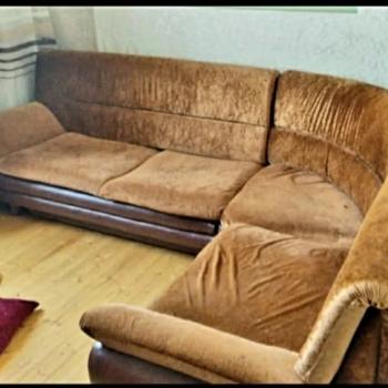 Təcili satılır! Künc divan 1200ə alınıb. 220 azn satılır.