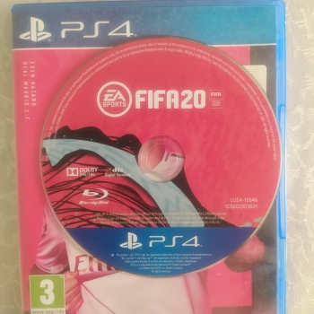 PS4 üçün orijinal FİFA20 oyun diski satılır. Yaxşı