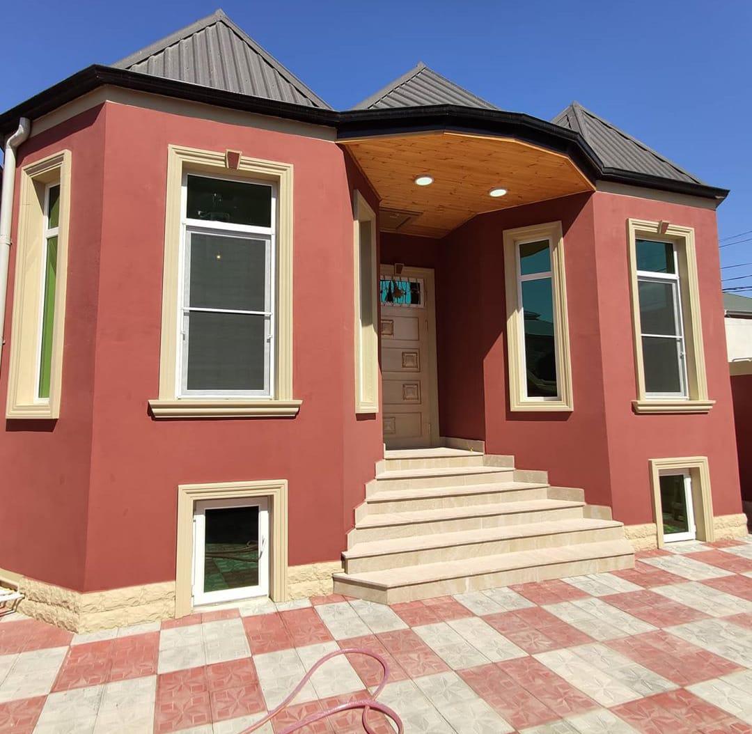 Novxani bag massivinde 2 sotda 90 kv/m heyet evi tikilir