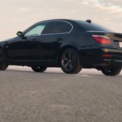 Tecli BMW 530 satilir. Ili 2007. Motor 3 Yanacaq növü dizel