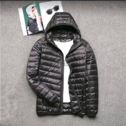 Мужская куртка . Новая . Размер М. Из Голландии. На скидке