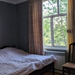 Fatmayı kəndində 9 sot torpaqda yerləşən 2 ev satılır..