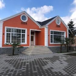 Novxanida Murad marketin yaxinliginda 2 sotda 100 kv.m 3