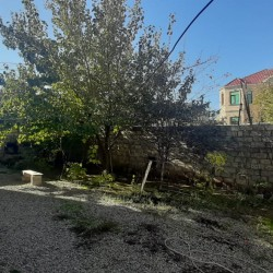 """Biləcəri q. Mərkəzdə """"Ağ Saraya"""", məktəbə, bağçaya,"""