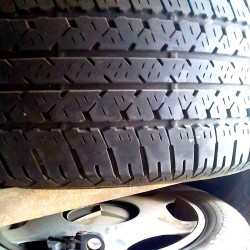 Mercedes 235 55 17 Pirelli şinləri 2 ədəd var. Biri 30 azn