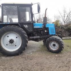 Traktor 2011 di işley veziyyetdedir heçbir problimi yoxdu