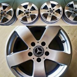 R 15 Mercedes Benz disklər işlənmişdi. Komplekt 240 azn.