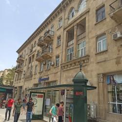 Nerimanov metrosu yani Tebriz kucesinde yerleshen 5