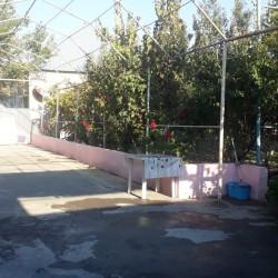Ucar şeheri merkezde iki mertebeli evrotemirli ev mekteb