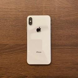 Iphone X satilir hec bir prablemi yoxdur Face ID
