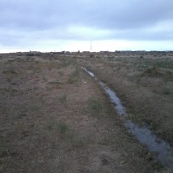 Xizi rayonu Sitalcay kandinda yerlasir. Xacmaz Baki yolunun