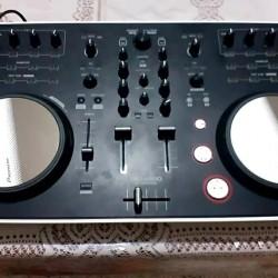 DJ aparatı təzədir. 500 azn. Ünvan Hövsan. İlahə.