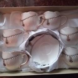 Çay dəsti satılır, yenidir, üstü qaşlidir, Taç firmasidir,