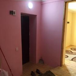 Zabrat 1 de tecili 1 otaqlı ev. bir metbext ,hamam