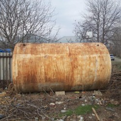 Təmiz nerjavika(paslanmayan poladdandır.) 16 tonluqdur.
