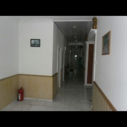 Tecili satilir Hazir islək klinikadi .36 otaq .omurluk