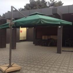 Yay kafeləri, yay barları və restoranları üçün çətir. Tent