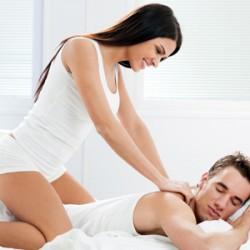 Öz evimdə masaj edirəm. Gənc və professional masajçı