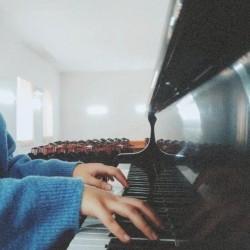 Nizami rayonunda evdə 5yaşdan yuxarı uşaqlara piano dərsi