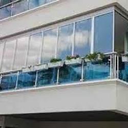 Cambalkon şüşələnmə sistemləri. Şirkətimiz sizə cam balkon