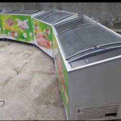 Uğur firması dondurma soyuducusu 400 litr tutur. İşləkdir.