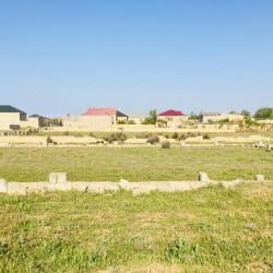 Sabunçu rayonu Maştağa qəsəbəsi Qaya üstünə gedən yolda,