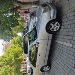 Mercedes Benz 2,3 sadə motordur. Elektron karopkadir. İki