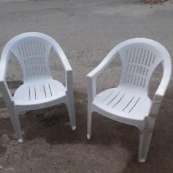 Plastik oturacaq stullari Plasmas stol satilir 2 ədəddir.