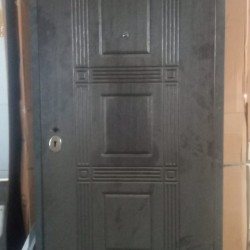Rusiya istehsali qapilar satilir Keyfiyyetli ve Munasib