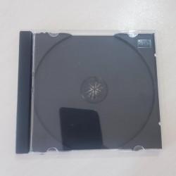 Iki terefli CD ve DVD disk qabilari satilir. 300 eded.