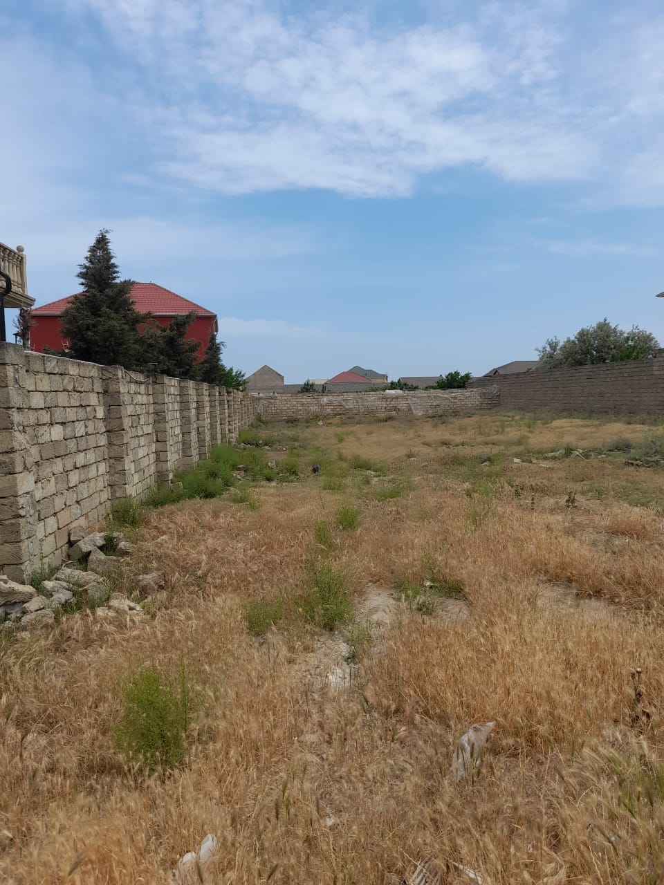 Xezer rayonu incirni st.(polis akademiyasindan 300m
