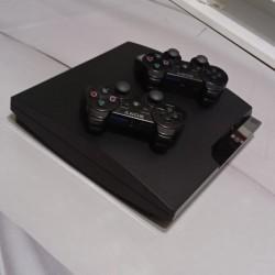 PlayStation 3 Slim Satılır.Heç bir problemi yoxdur,bəzi
