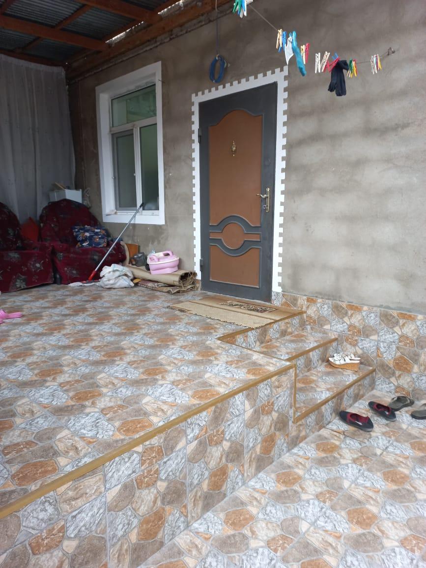 Sabuncu rayonu Zabrat 21 sayli Poliklinikaya yaxin . FF