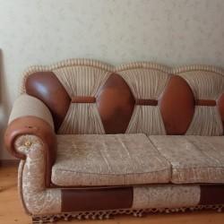 Işlənmiş divan kreslo satılır.yacsi vəziyyətdədir.iki
