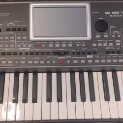 Korg Pa900 Professional Aranger sintezator satılır.